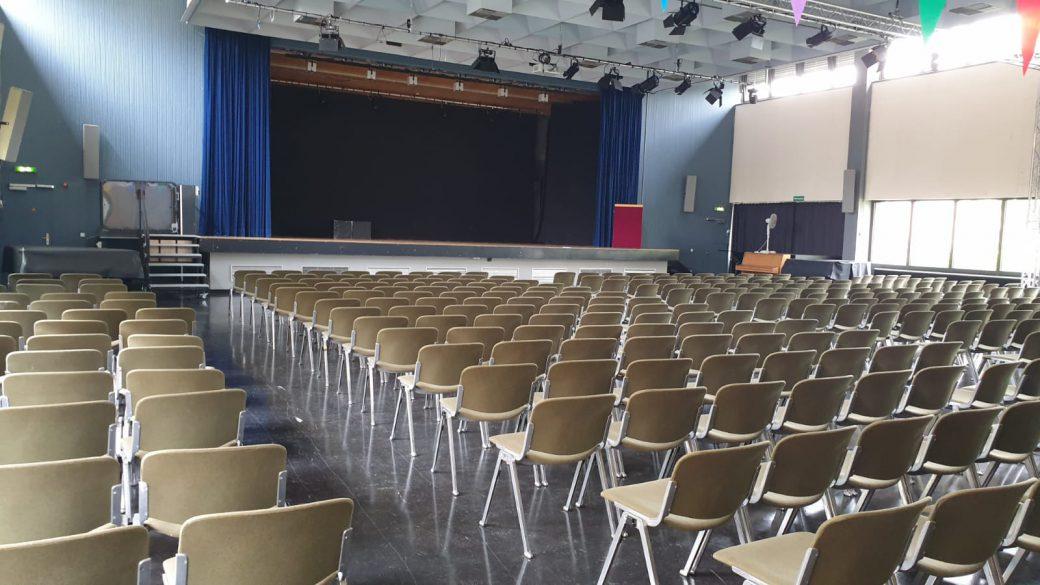 Aula der Wöhlerschule Frankfurt